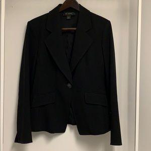 St. John black single button blazer. Sz 14. NWOT